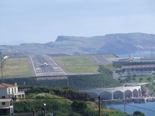 Landing at Madeira FNC Airport